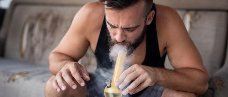 大麻を摂取したらどうなるの?依存症になりにくいって本当?効果や症状もご紹介!