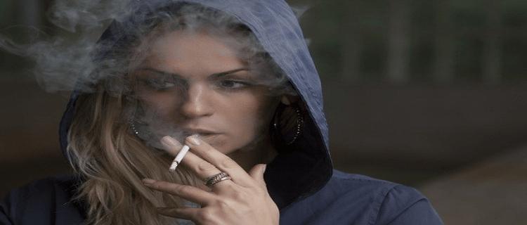 身近な人の体臭や隣の家から大麻の匂いがしたら警察に通報を!