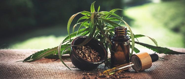 CBDオイルは大麻成分を配合したオイル!