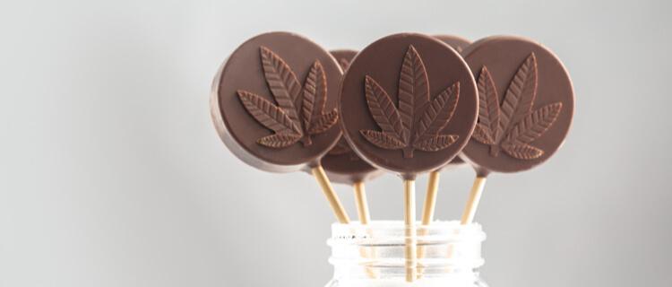 大麻の模様の入ったチョコレート