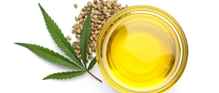 オイルと大麻の種子と葉